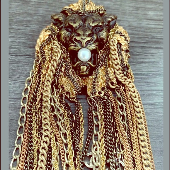 CHANEL Jewelry - Authentic CHANEL HUGE LION 🦁 BROOCH. $$$ FIRM